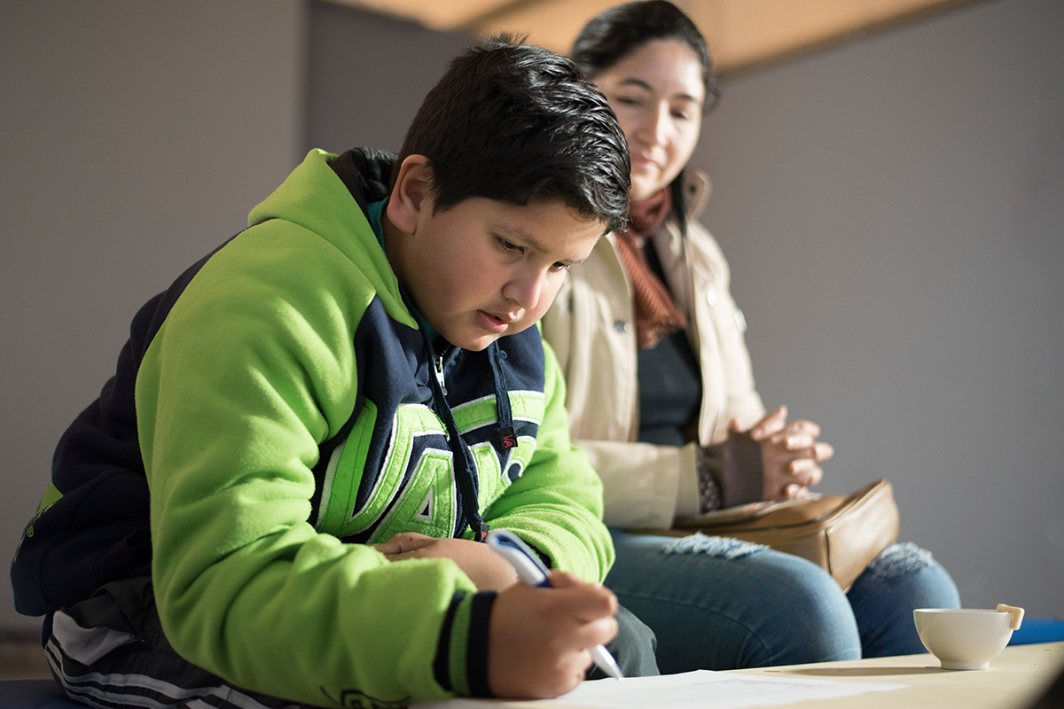 Tallere para niños: Componiendo arte de tapa