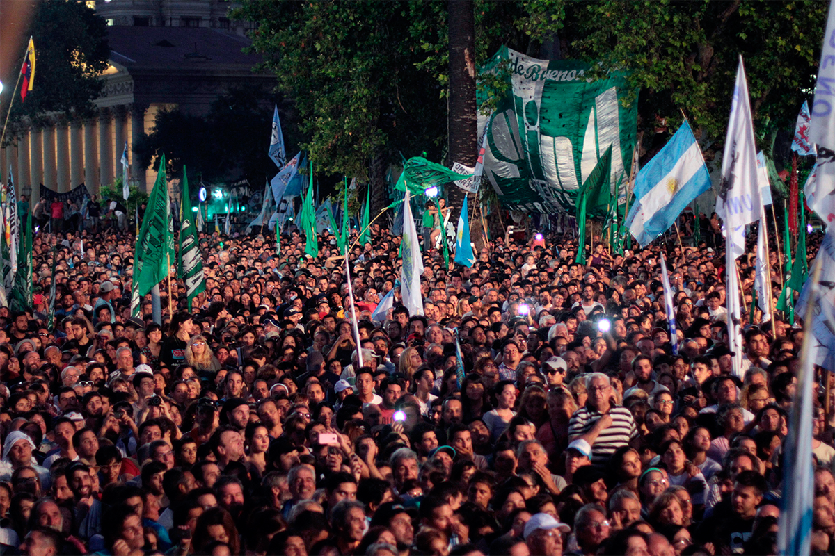 Populismo Comparado: América Latina, Europa y Estados Unidos